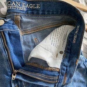 american eagle mom jean